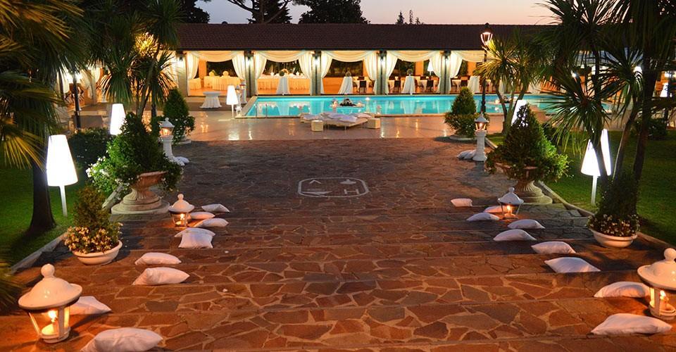 Royal vesuvio ristorante con piscina napoli campania ville for Addobbi piscina per matrimonio
